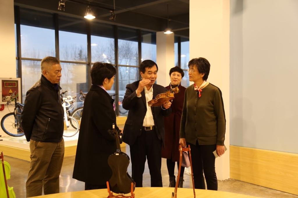 2016年12月13日,时任江苏省科学技术协会党组书记、副主席陈惠娟亲临亿博团队全天实施计划官网参观指导工作。