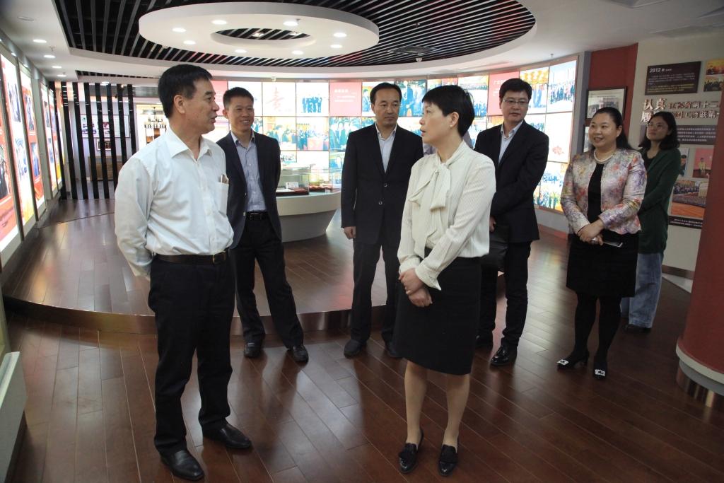 2018年5月8日,中国银行连云港分行周一青行长一行莅临我司考察调研